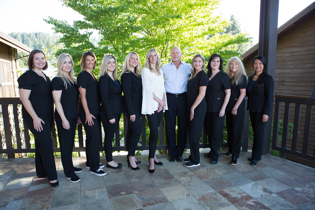 photo of the dental team in Clackamas, OR at Sunnyside Dentistry